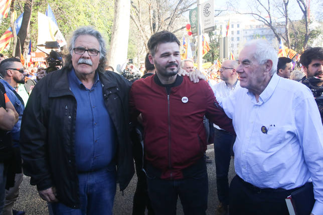 Rufián pide hacer un muro contra el fascismo que viene para luchar por la democracia