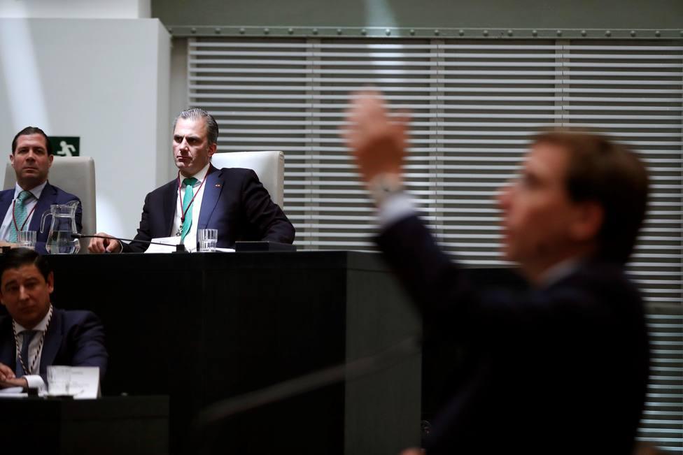 Vox avisa a Almeida de que no se contenta con juntas de distrito y exigirá concejalías