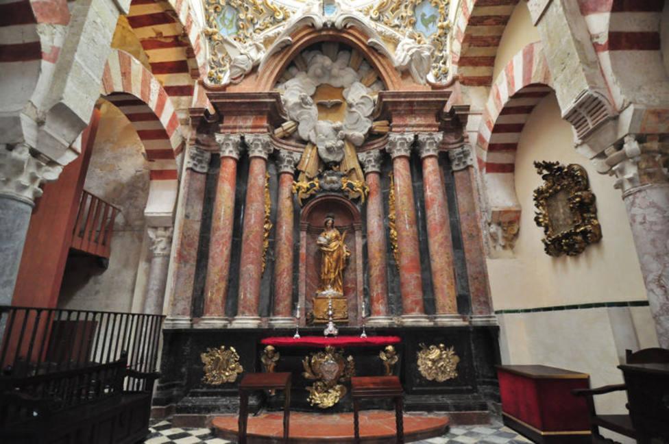 El nuevo alcalde de Córdoba cierra la comisión municipal que cuestionó la titularidad de la mezquita-catedral