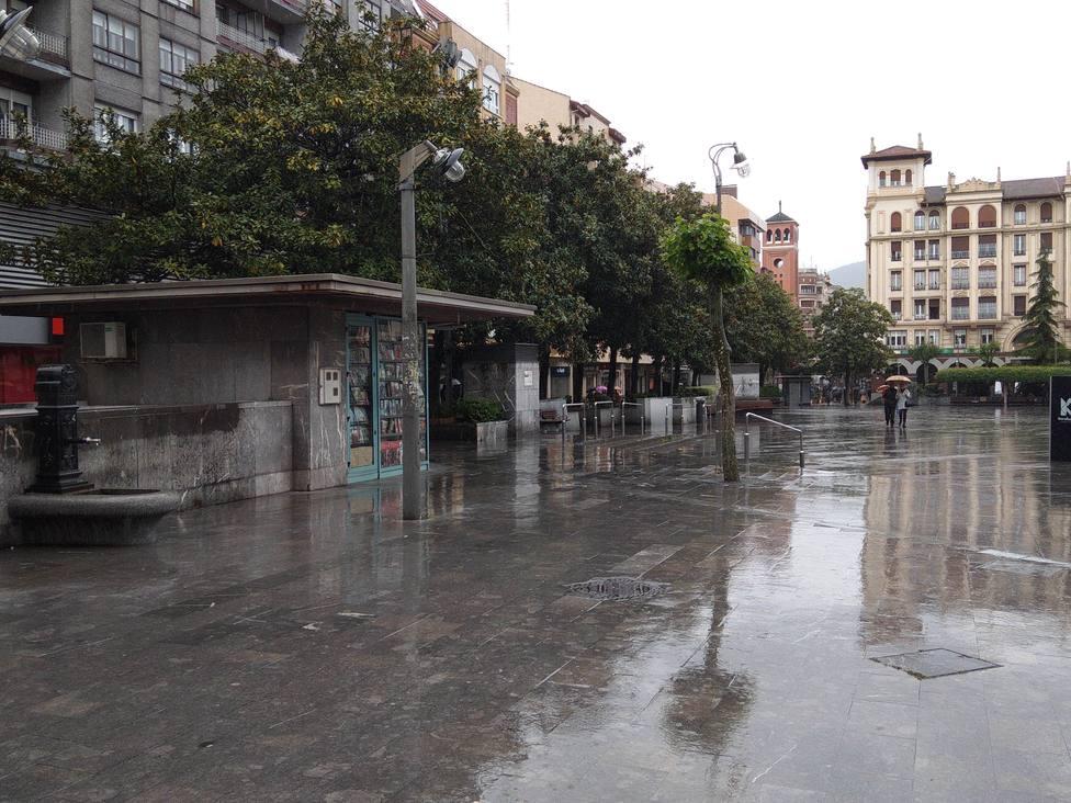 El tiempo inestable regresa a España, con descenso de temperaturas y avisos por viento, olas, lluvias y tormentas