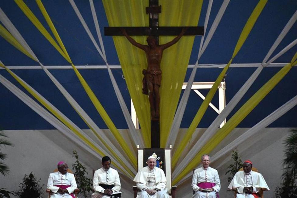 El Papa a los obispos de Madagascar sobre los sacerdotes: Atentos, no dejéis al lobo entrar en el rebaño