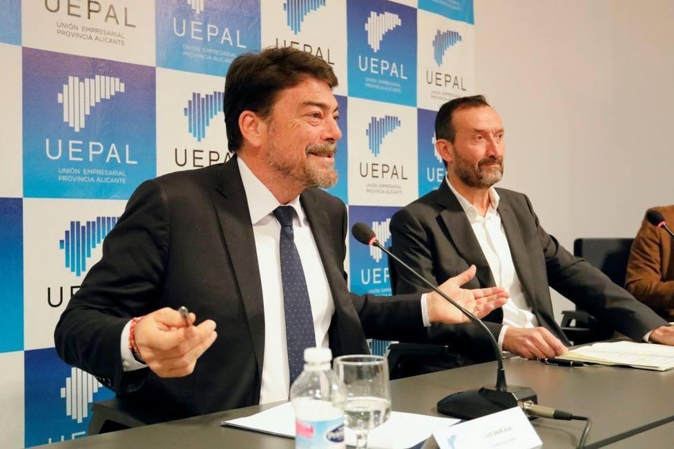 El alcalde de Alicante Luis Barcala y su homólogo de Elche Carlos Martínez (Ayuntamiento)