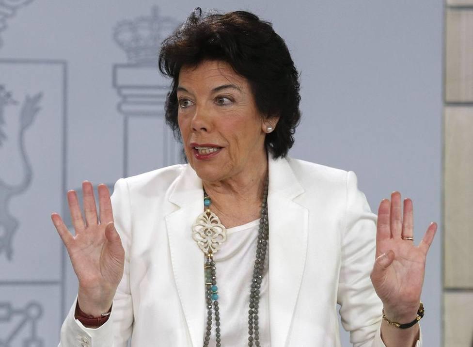 Isabel Celáa crea un cisma interno en el PSOE tras su ataque a la escuela concertada, y otras noticias