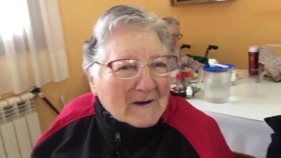 La señora de Teruel que se ha hecho viral por reírse en directo de la caída de su vecina en la nieve