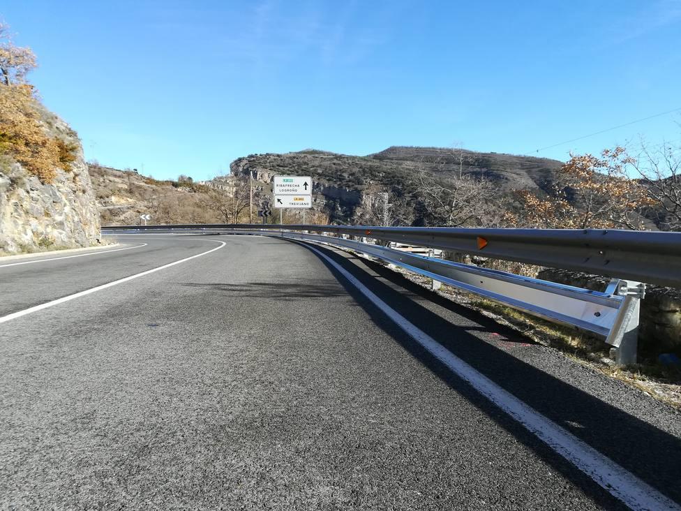 Nuevos sistemas de protección para motoristas en la LR-250 entre Leza y Soto en Cameros