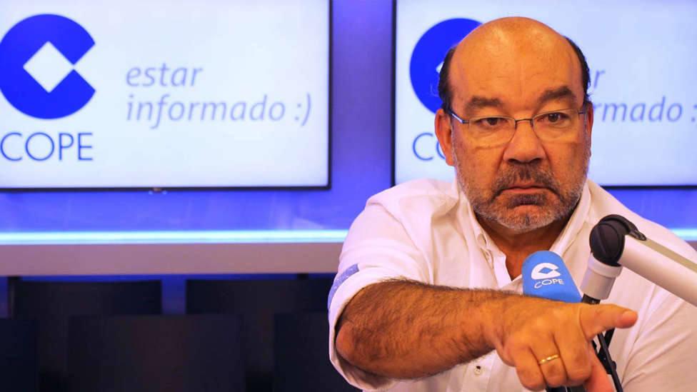 Ángel Expósito se enfrentó por primera vez a un micrófono de radio... en COPE