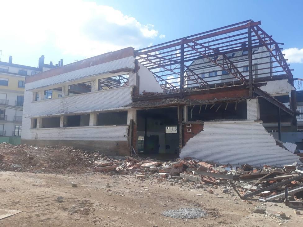 La demolición del viejo Hospital Xeral entra en su fase final