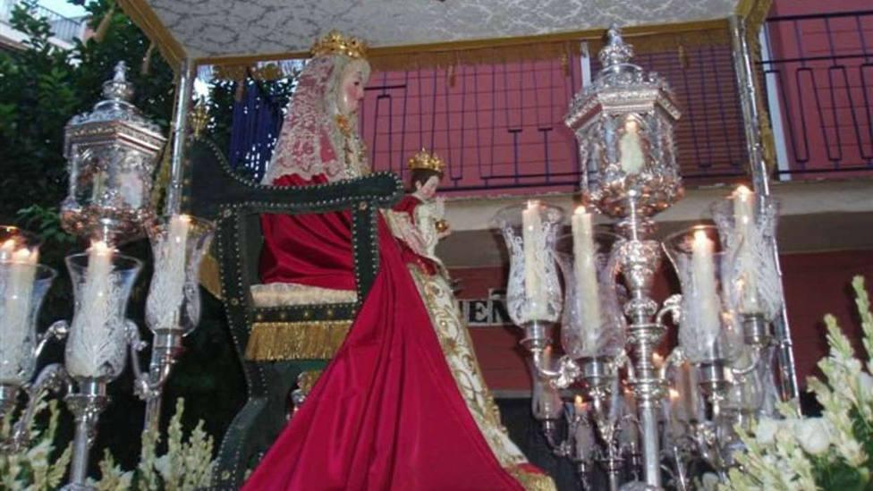 La Hermandad de los Sastres regalará la tela para las mascarillas a las monjas de San Leandro