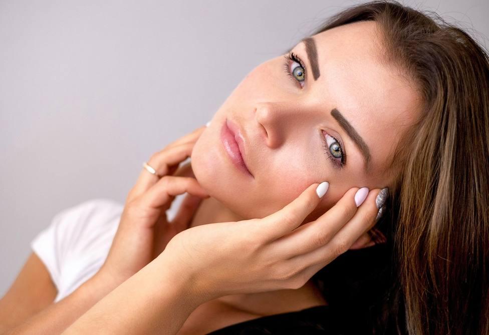 Cómo tratar y eliminar las manchas solares en la piel