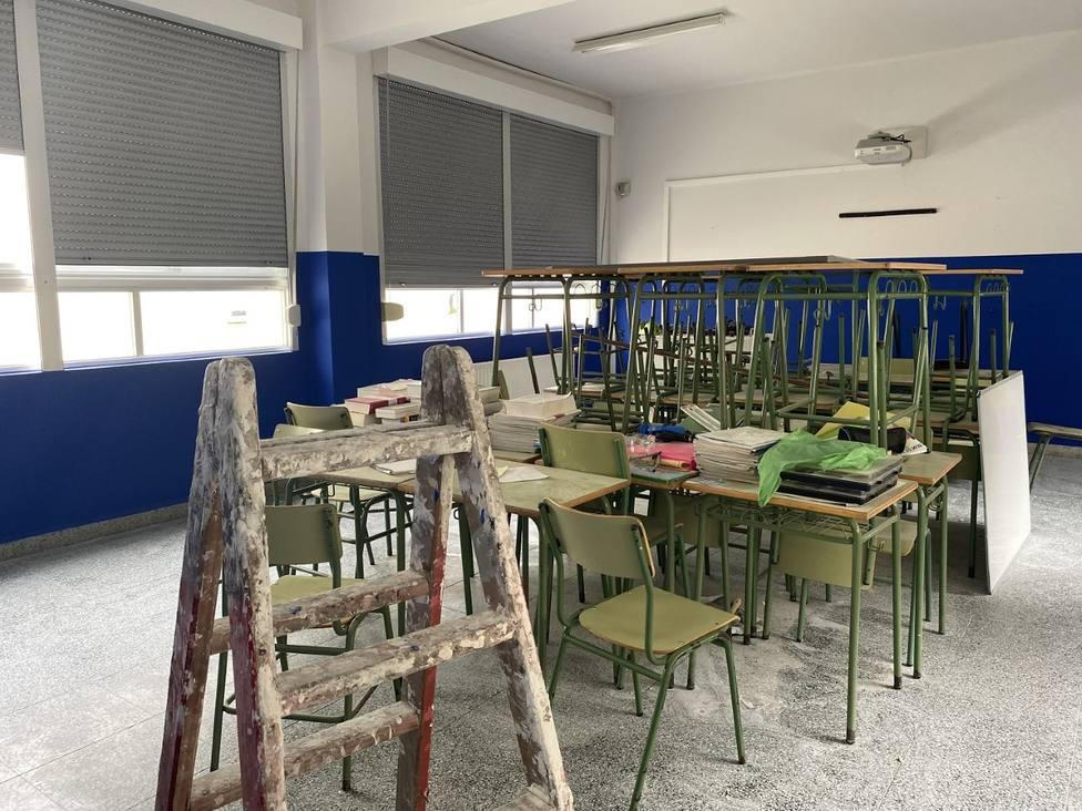El Concello colabora con el colegio para adaptarse a los protocolos sanitarios - FOTO: Concello Valdoviño
