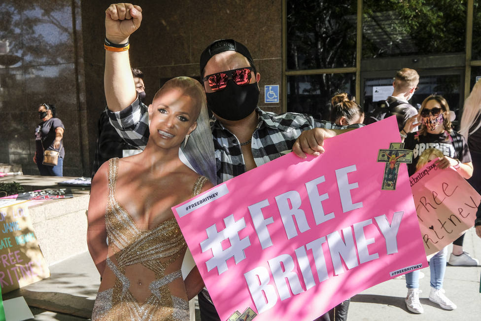 Britney Spears no volverá a actuar mientras su padre controle su carrera