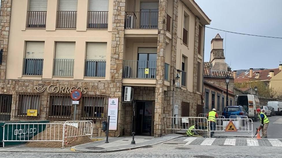 Obras para instalar el punto de recarga en el casco urbano