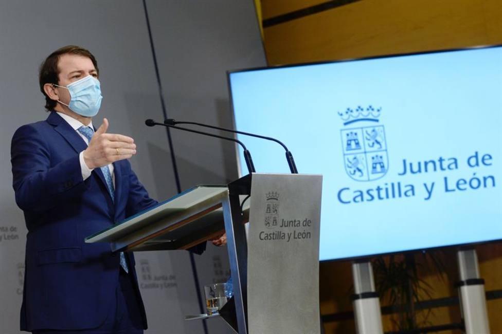 Castilla y León mantiene el órdago y publica en su BOE el nuevo toque de queda a las 20 horas