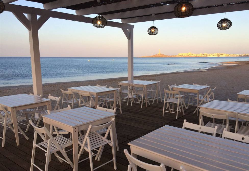 Malestar en la hostelería de Cartagena por no poder poder abrir los chiringuitos de playa esta Semana Santa