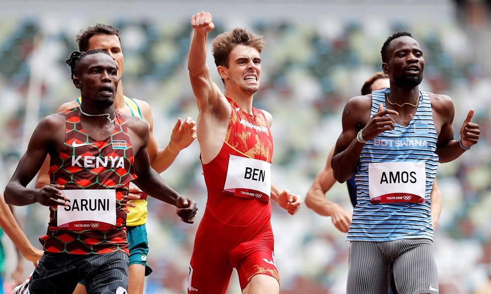 Adrián Ben celebra su clasificación a las semifinales del 800m