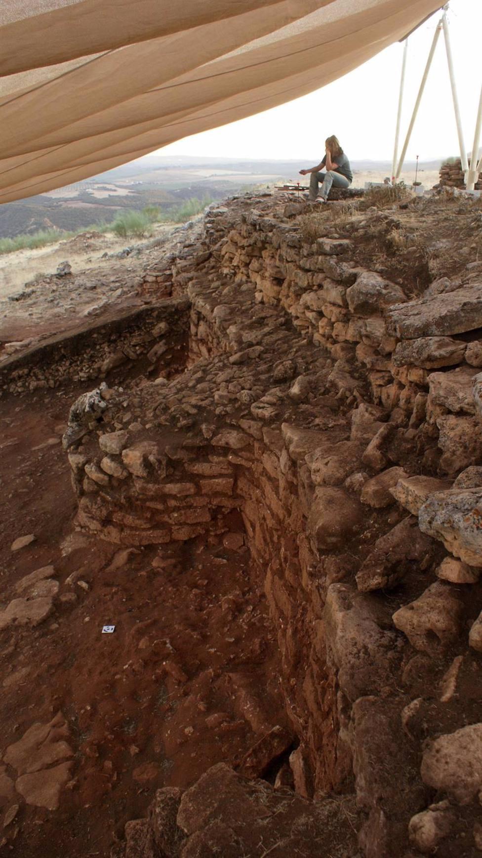 Arqueólogos de la UGR descubren un poblado fortificado de hace 5000 años