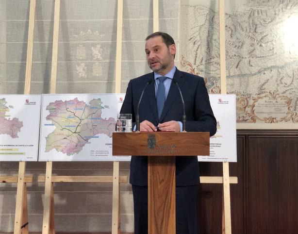 El Parlament de Cataluña votará este jueves llamar a comparecer a Ábalos por el bloqueo del Open Arms