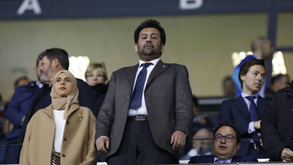 Abdullah Al Thani en el palco junto a su hija Hamyan