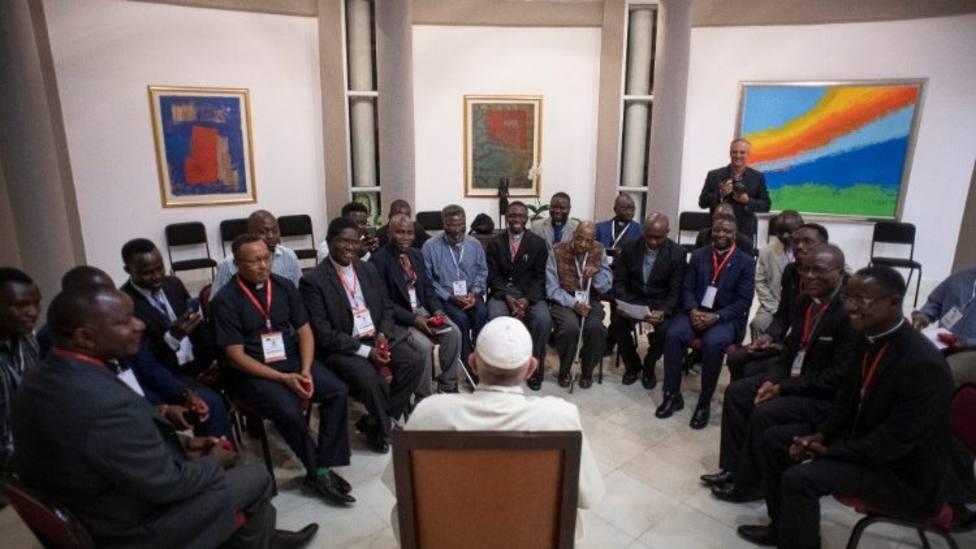 El diálogo del Papa con los jesuitas de Mozambique y Madagascar