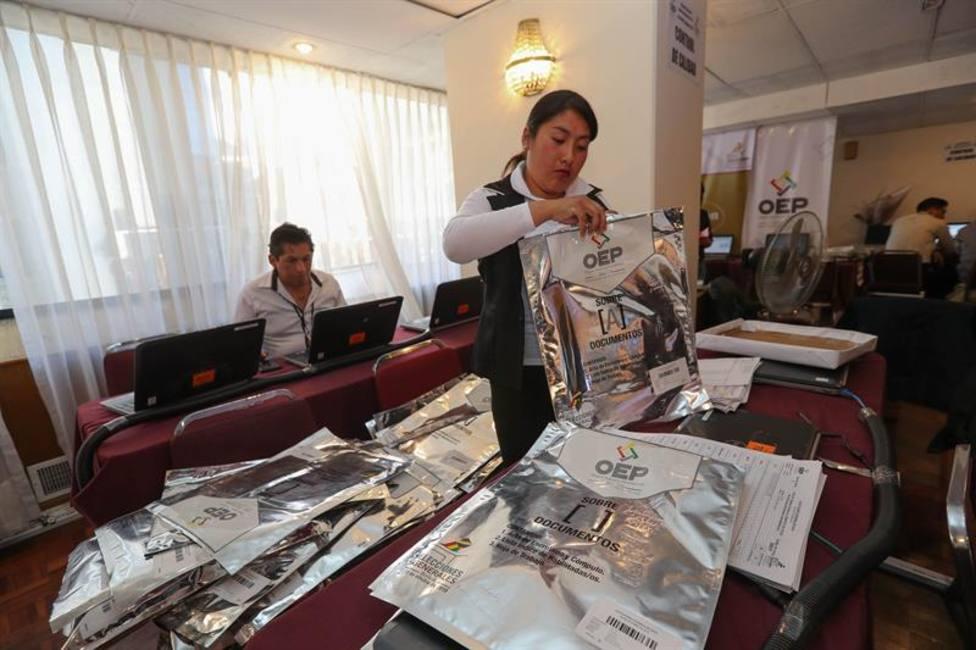 El Tribunal Electoral de La Paz (Bolivia) declara el estado de alerta y suspende el recuento de votos