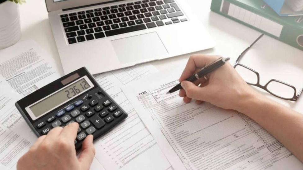 A la mitad de los españoles les queda menos de un 20% tras pagar las facturas mensuales