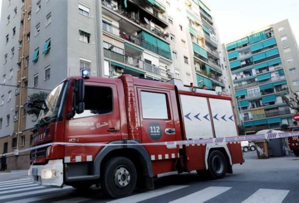 Diecisiete heridos por un incendio en un bloque de viviendas en San Juan de Aznalfarache (Sevilla)
