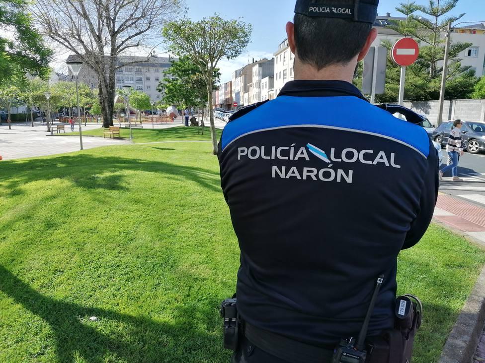 Foto de archivo de un agente de la Policía Local de Narón