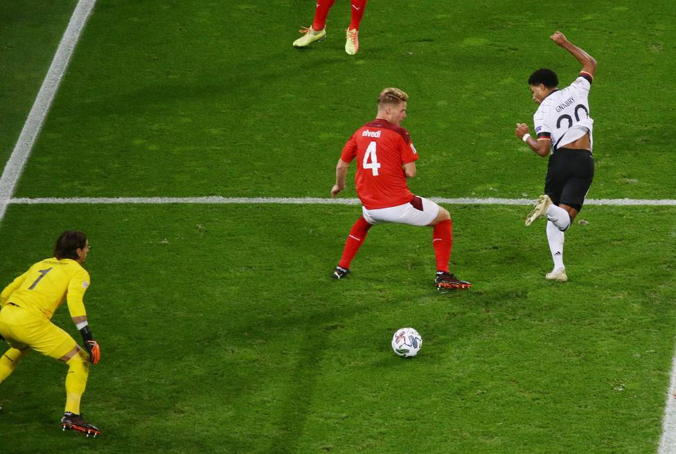 Alemania salva un punto ante Suiza y maquilla la derrota de España en Ucrania
