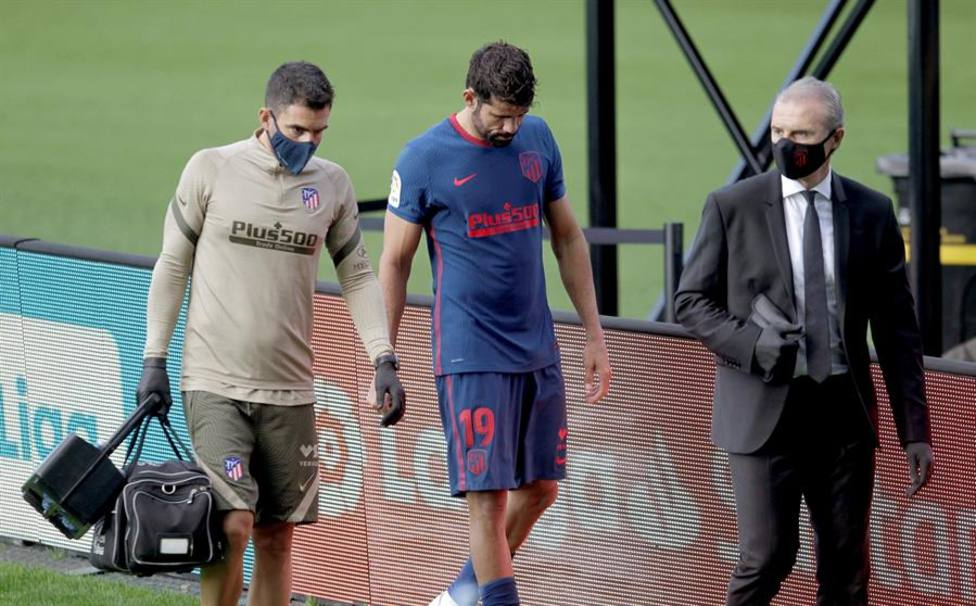Diego Costa, marchándose del terreno de juego