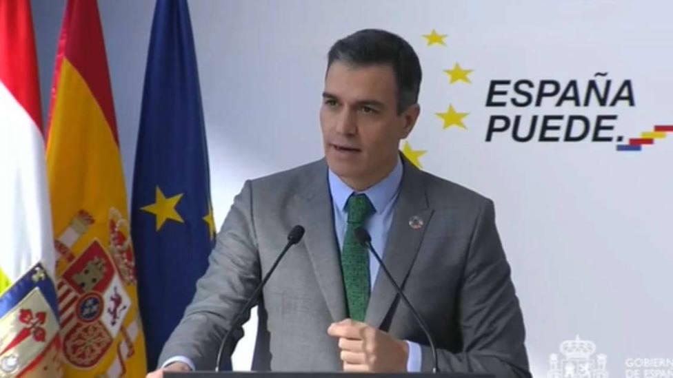 Sánchez anuncia un plan completo de vacunación que se presentará el próximo martes en Consejo de Ministros