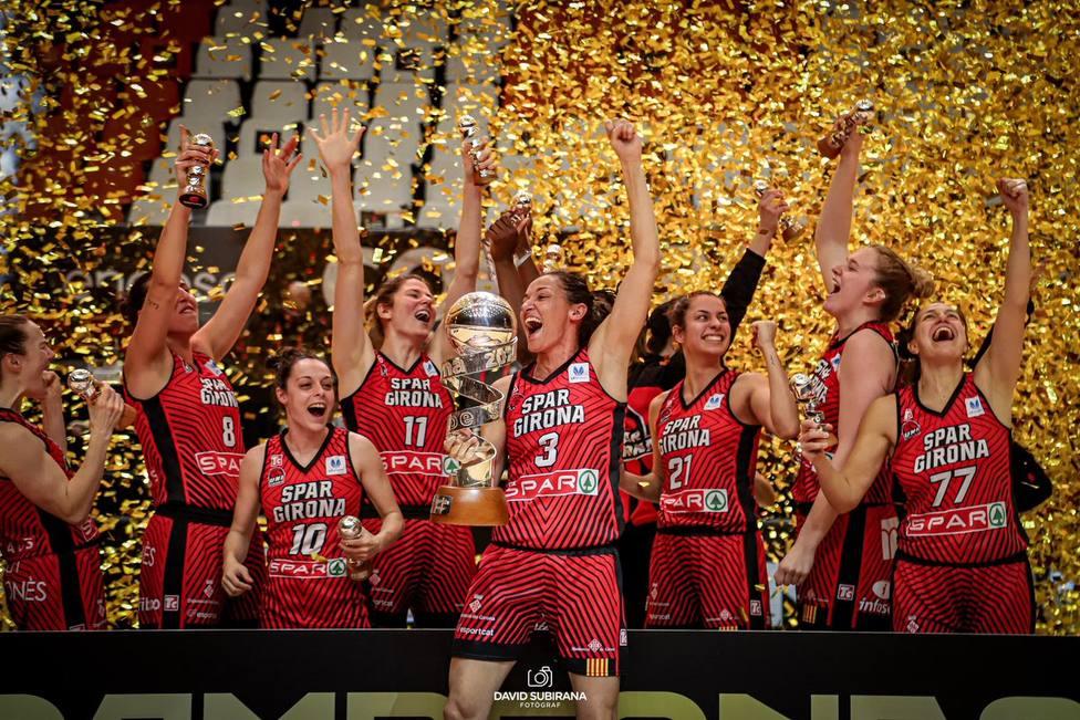 El equipo de Alfred Julbe se proclama campeón de la competición por primera vez en su historia y tras cuatro s