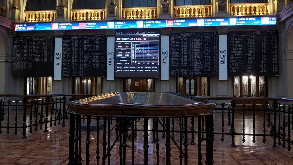 La Bolsa española se da la vuelta, cae el 0,15 % y pone en riesgo los 8.600