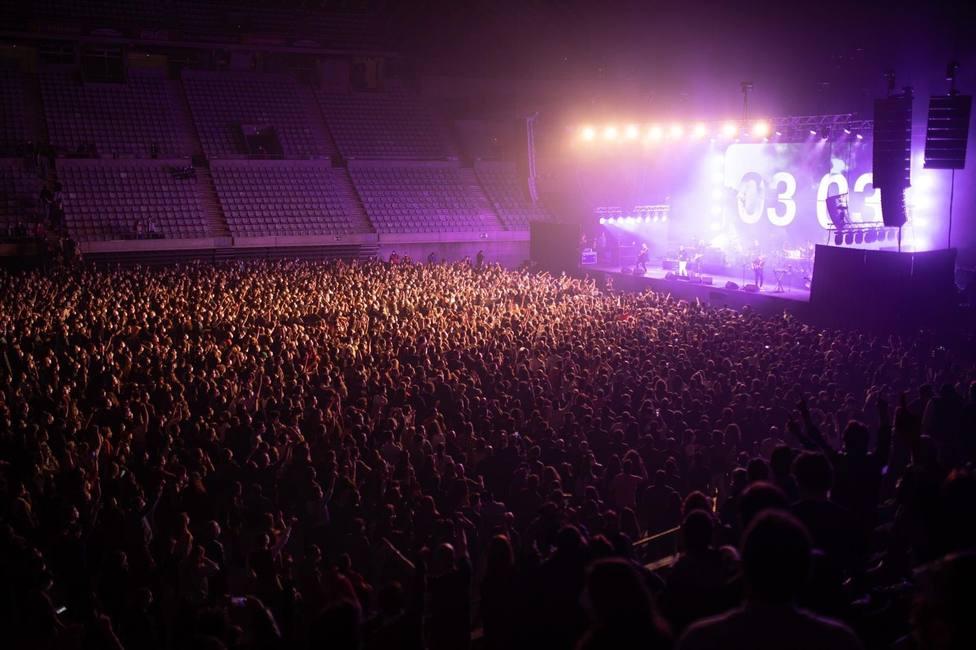 Vista del concierto de Love of Lesbian en el Palau Sant Jordi en Barcelona