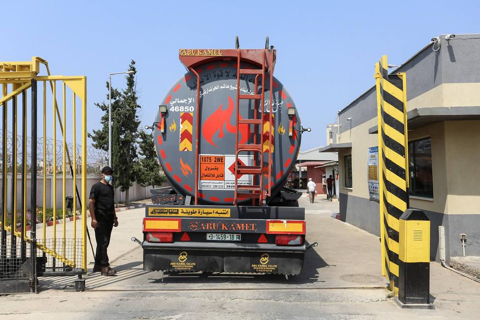 Israel reabre de forma temporal los pasos a la franja de Gaza para la entrada de ayuda y combustible