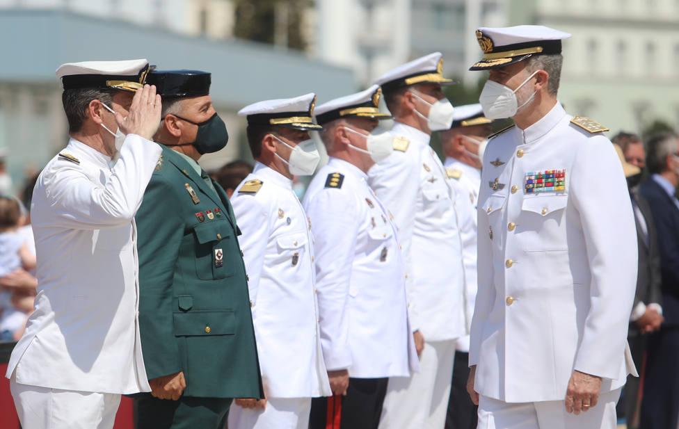 El Juan Sebastián Elcano llega a Cádiz tras diez meses de travesía con el Rey a bordo