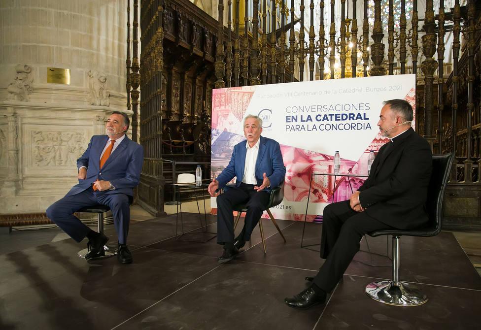 Nuevo coloquio del ciclo Conversaciones en la Catedral con los escritores Jesús Sánchez Adalid y Jesús Maeso