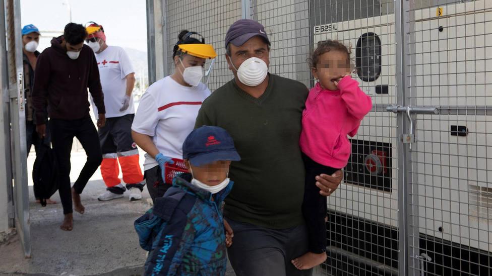 65 inmigrantes de origen magrebí son rescatados y trasladados al Puerto de Motril durante el fin de semana