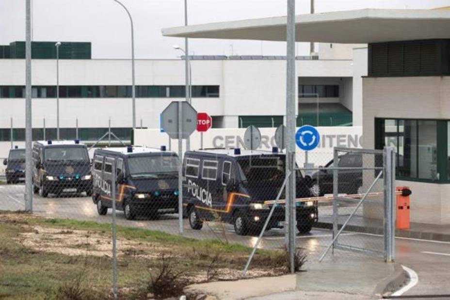 40 Inmigrantes argelinos repatriados desde la cárcel de Archidona