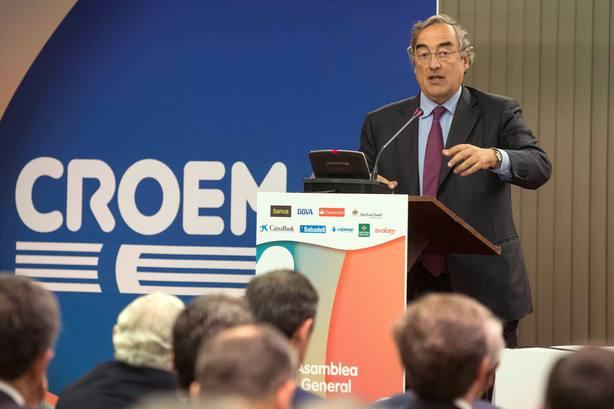 La subida de los salarios: primer gran acuerdo social de la era Pedro Sánchez