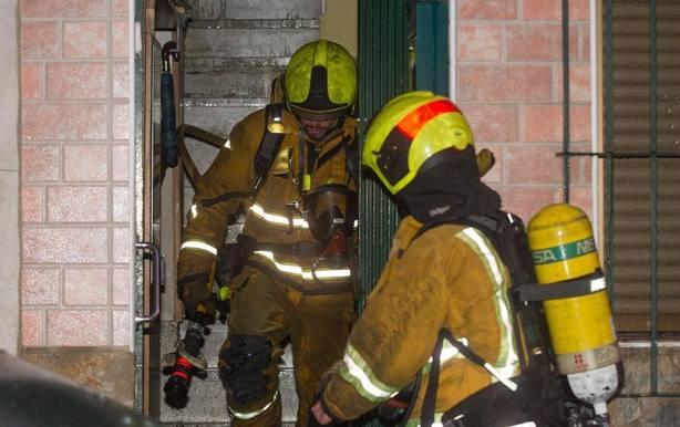 Un hombre y una mujer fallecen en el incendio de una vivienda en Sant Joan dAlacant (Alicante)