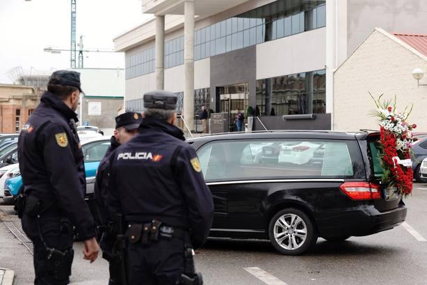 Varios detenidos por incinerar en ataúdes más baratos que los comprados