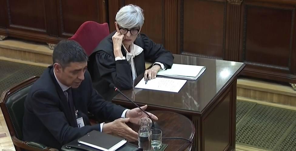 El tribunal impide al fiscal preguntar a Trapero sobre la reunión del 28-S con Puigdemont