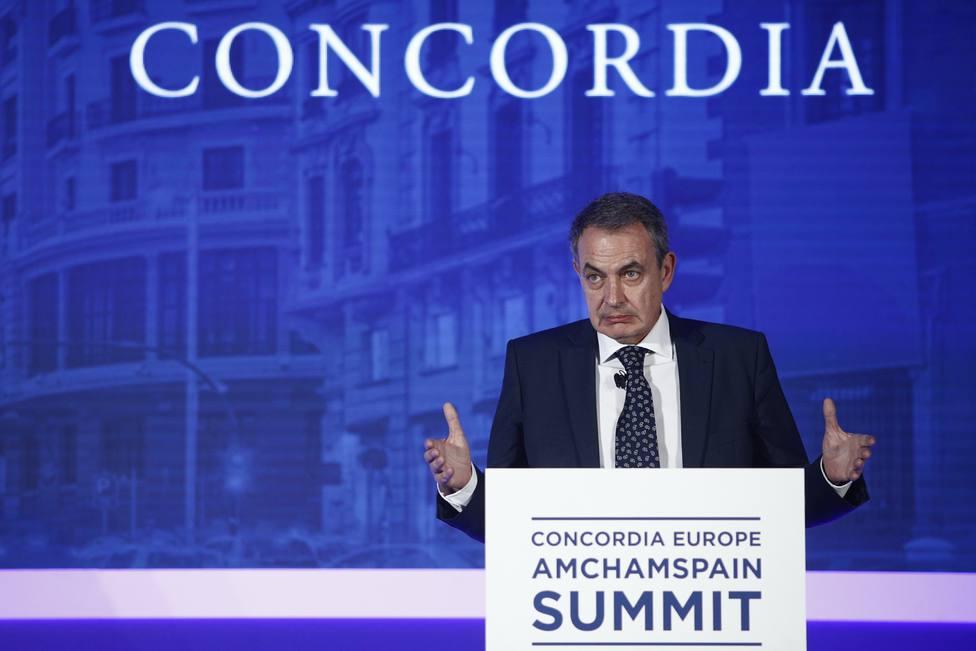Zapatero dice ahora que él pide aislar la sentencia del Supremo del diálogo con los independentistas