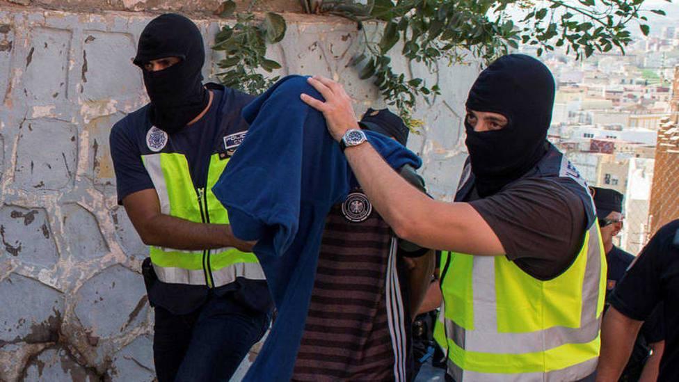 Piden 14 años de cárcel a un acusado de adoctrinar a jóvenes en Melilla