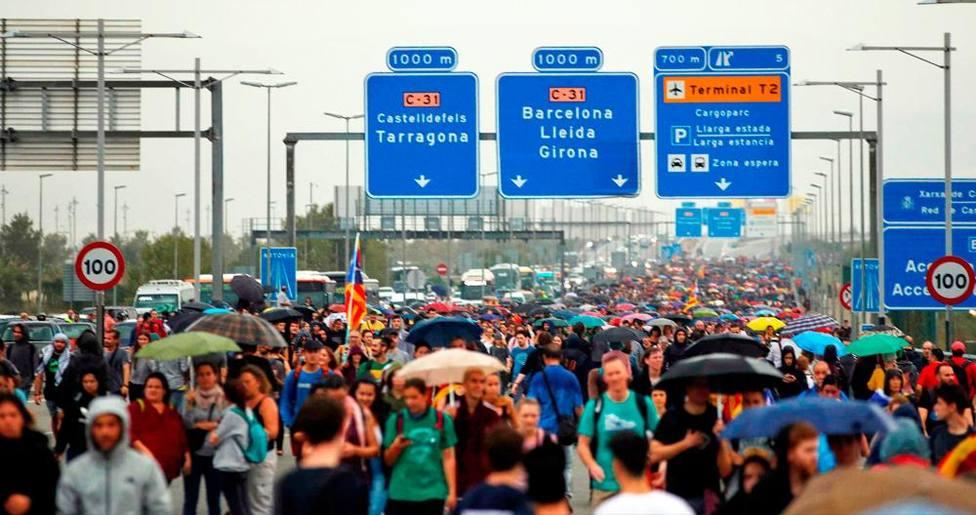 Los independentistas desatan el caos en Cataluña tras la sentencia del procés, y otras noticias