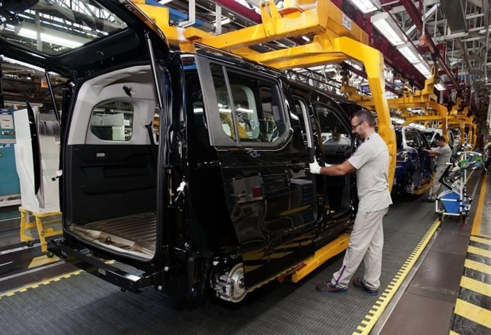 UGT urge a los partidos a que faciliten un Gobierno que reindustrialice el sector del automóvil
