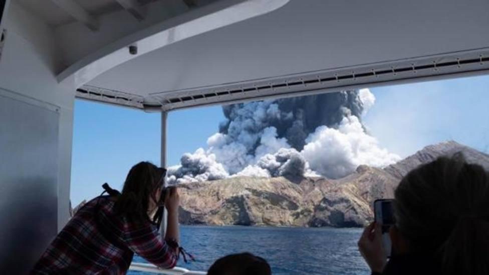 Nueva Zelanda busca a ocho personas desaparecidas por la erupción del volcán Whakaari