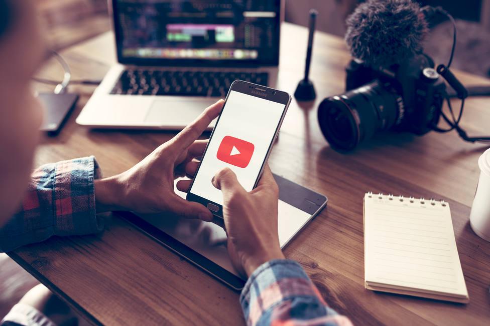 Así funciona la nueva herramienta YouTube para dejar de ver vídeos a la hora de dormir