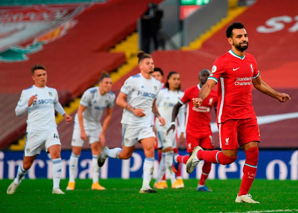 Salah celebra uno de los goles al Leeds (EFE)