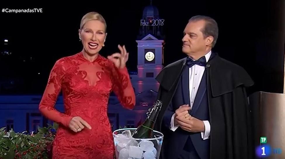 Ramón García junto a Anne Igartiburu en las campanadas del 2018.